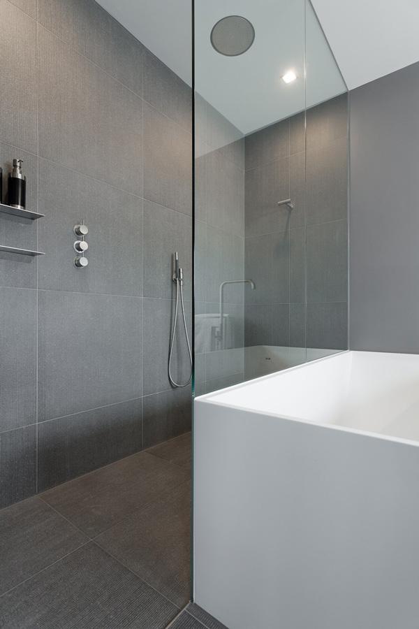 De badkamer is genomineerd voor de Badkamer Design Awards 2010.